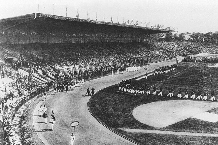 Cerimónia de Abertura dos Jogos Olímpicos de Paris 1924.