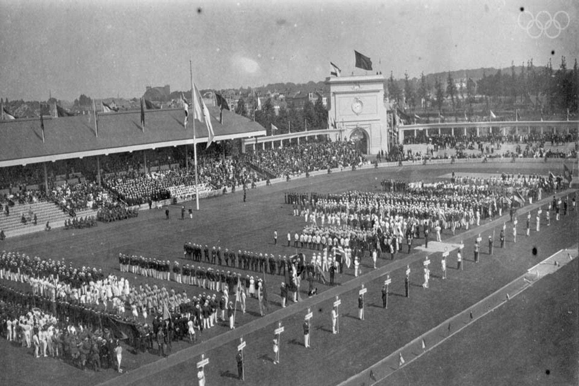 Abertura dos Jogos Olímpicos de Antuérpia 1920 (Estádio Olímpico).