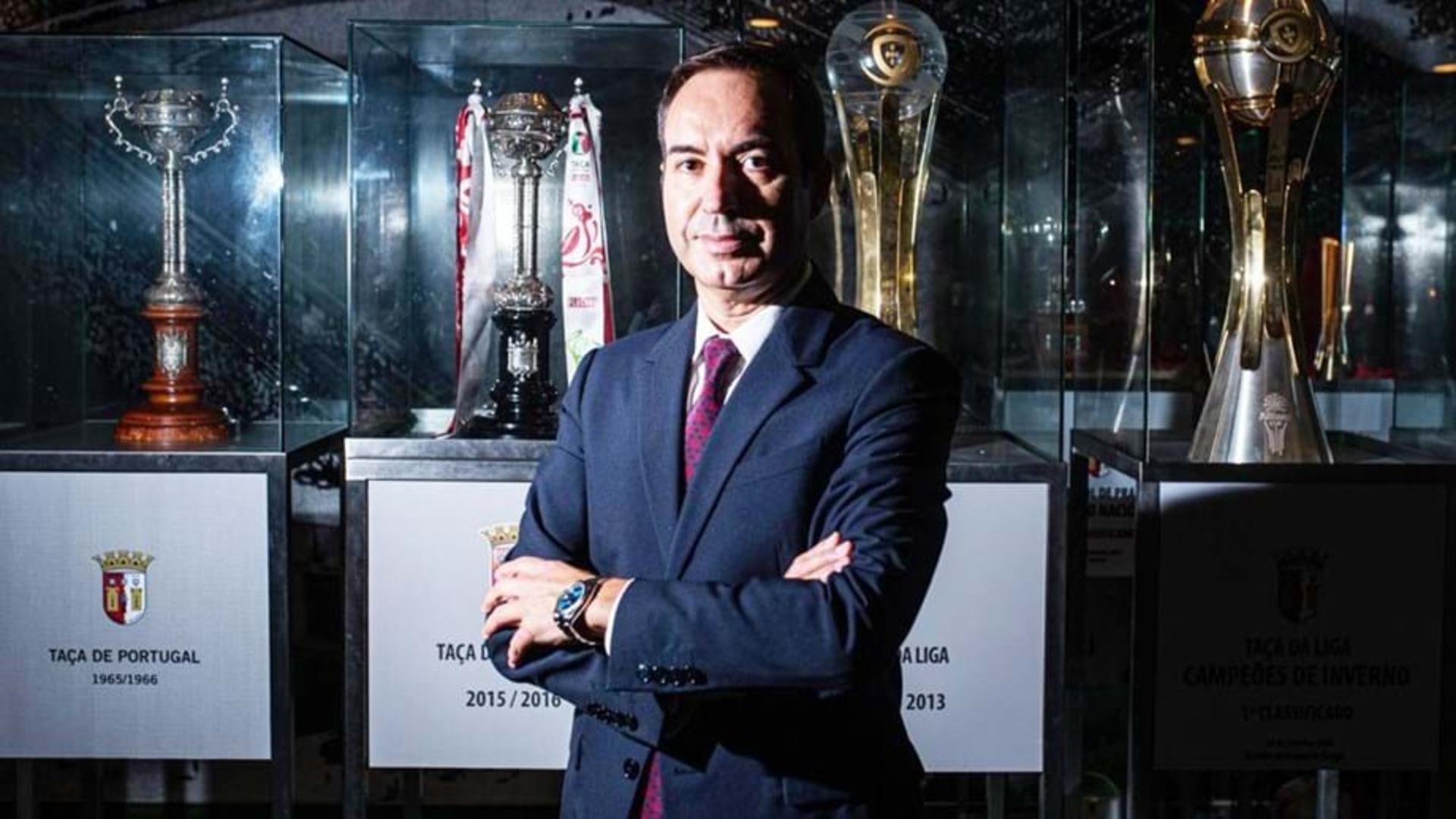 António Salvador.