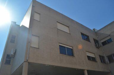 O edifício situa-se no número 2 da viela da Carvalhosa, em Cedofeita.