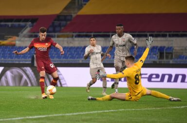 A Roma venceu o Shakhtar Donetsk num encontro entre dois treinadores portugues e árbitrado por um árbitro nacional.
