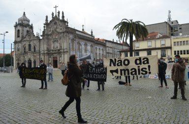 Alunos na Reitoria da Universidade do Porto