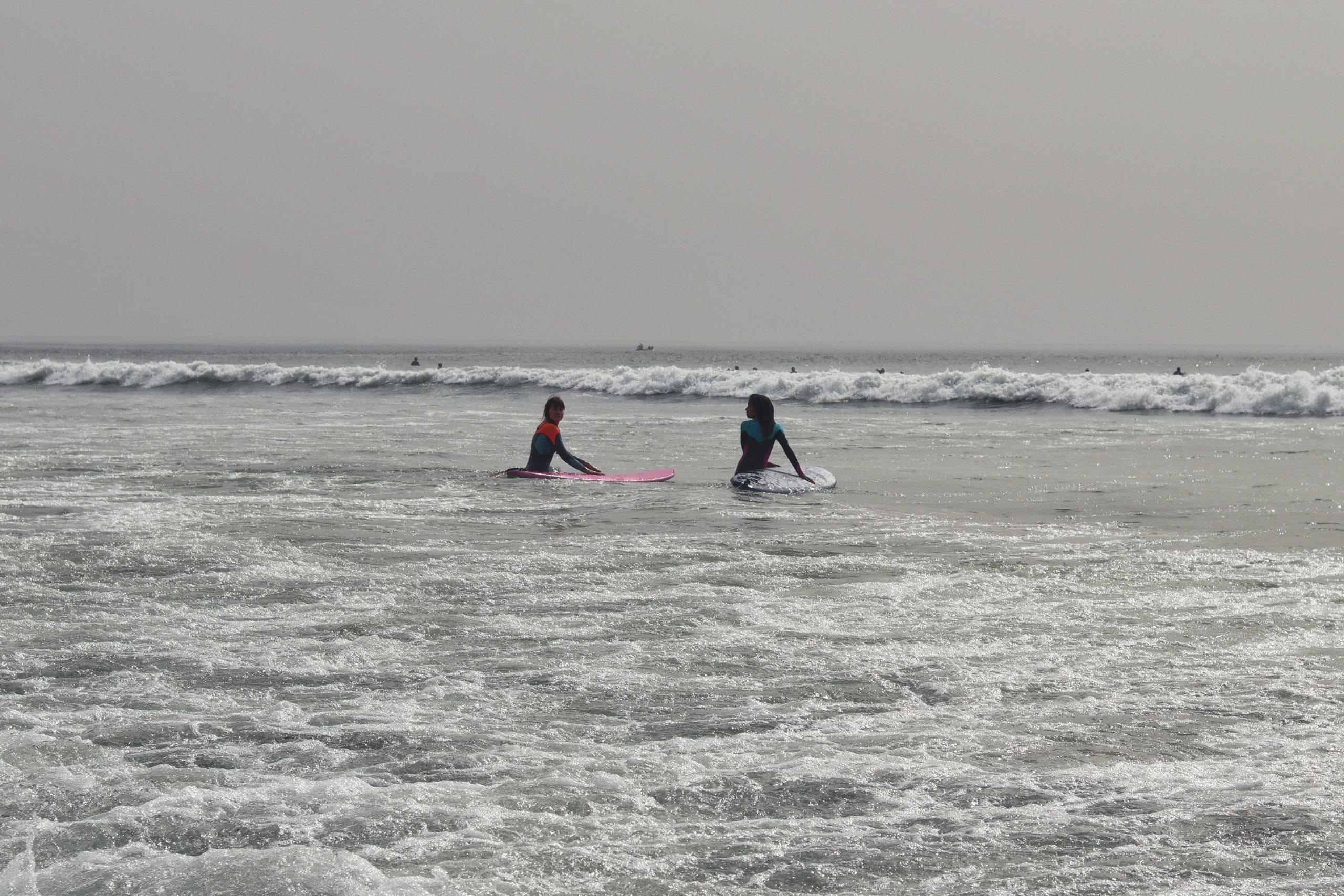 A Surf Church oferece um primeiro contacto com o surf gratuito a quem se juntar