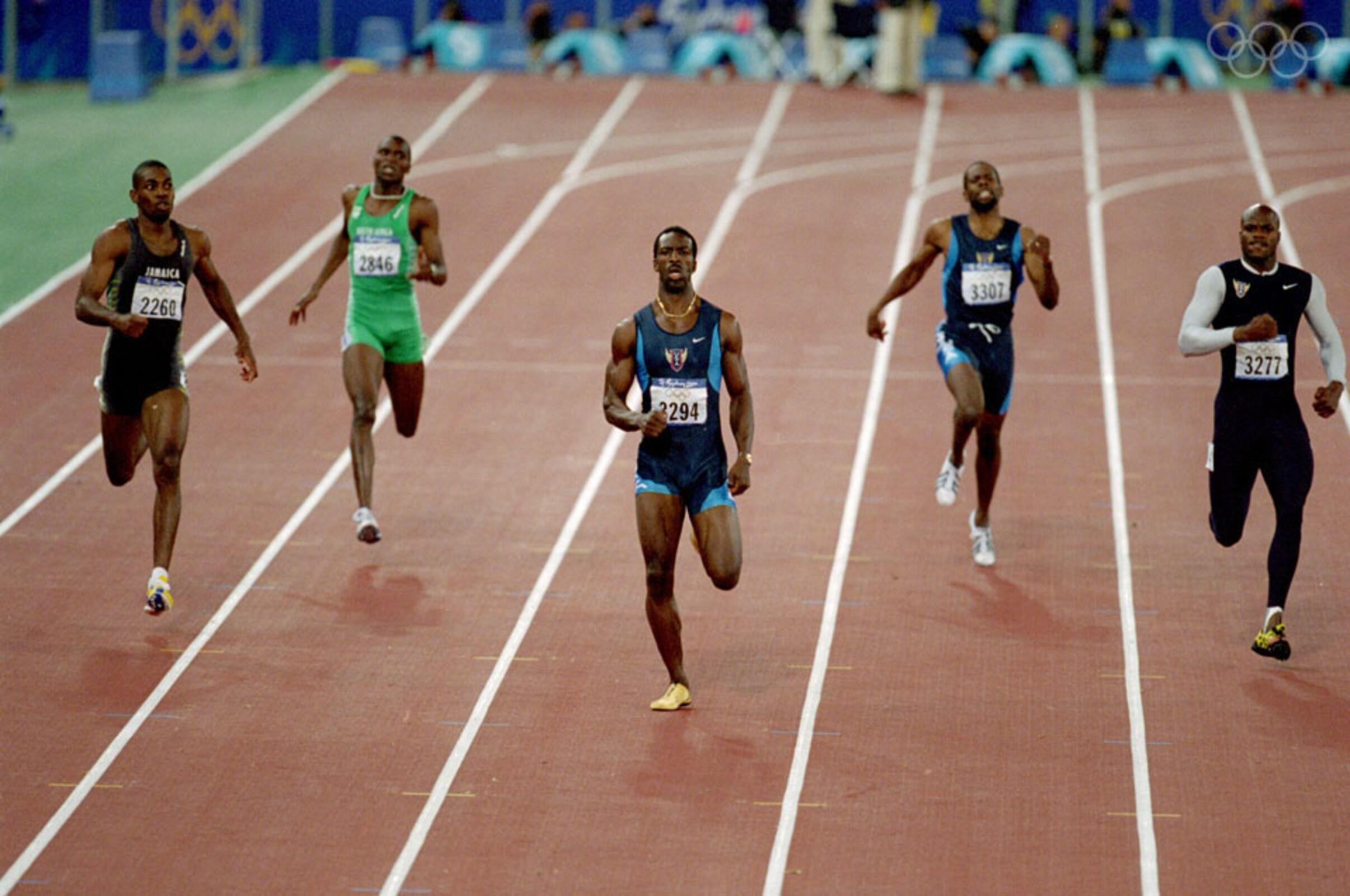 Michael Johnson optou por entregar a sua medalha de ouro nos 4x400 metros, depois dos escândalos de doping que envolveram os seus colegas de equipa.