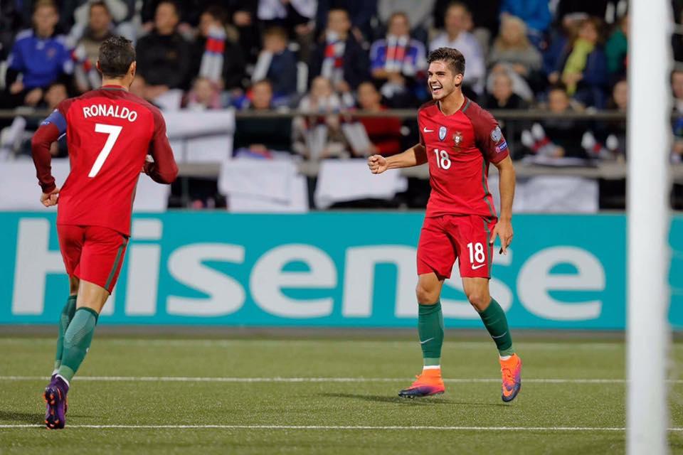 André Silva tornou-se no jogador mais jovem da seleção nacional a marcar um hat-trick, na vitória sobre as Ilhas Faroé.