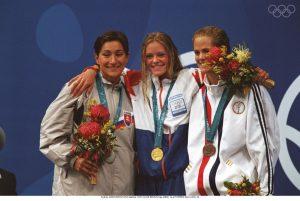 Inge de Bruijn foi outra atleta a surpreender, com conquistas nos 50 e 100 metros livres, bem como nos 100 metros mariposa e uma medalha de prata nos 4x100 estilos.